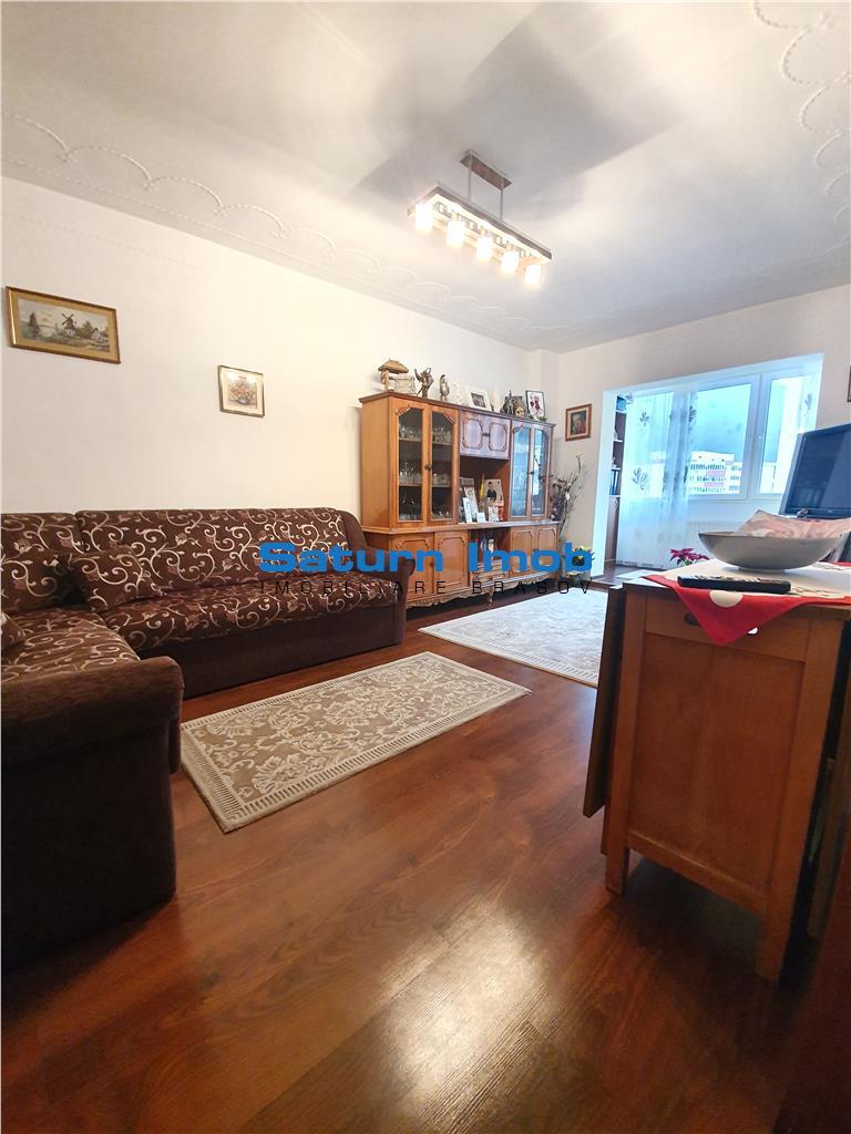 Vanzare apartament 3 camere Racadau-Parcul Ursu, etaj 6/8, insorit