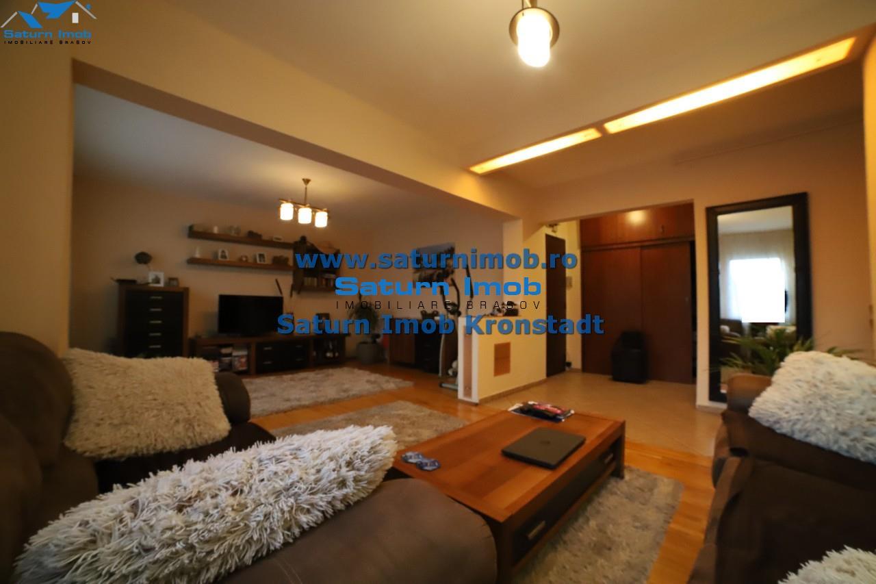 Vanzare apartament 4 camere transformat in 3 camere  zona Grivitei