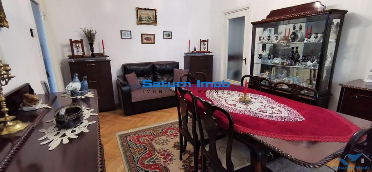 Vanzare apartament 3 camere semidecomandat zona Florilor