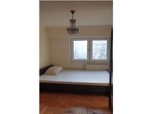 Apartament 3 camere decomandat etaj intermediar zona Onix