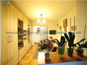Apartament 3 camere decomandat zona Harmanului