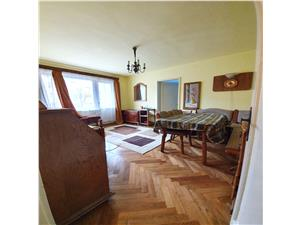 Vanzare apartament 2 camere, zona Astra - Piata, etajul 2/4, insorit
