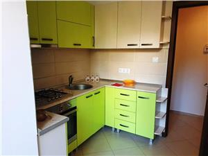 Inchiriem Apartament 3 Camere, Modern, Semidecomandat, Central