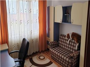 Inchiriem Apartament 2 Camere, Mobilat, Semidecomandat, Zizinului