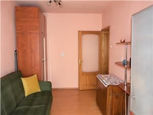 Vanzare apartament de 3 camere decomandat zona Racadau