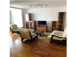Inchiriem Apartament 3 Camere, Mobilat ,Decomandat ,Centru Civic