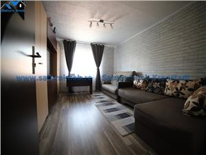 Vanzare apartament 4 camere decomandat zona Tractorul