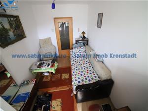 Vanzare apartament 3 camere decomandat zona Tractorul