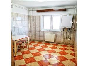 Vanzare apartament 3 camere decomandat zona Judetean