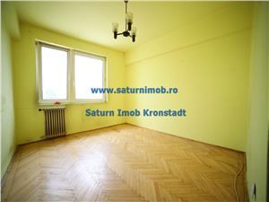Vanzare apartament 3 camere semidecomandat zona Garii
