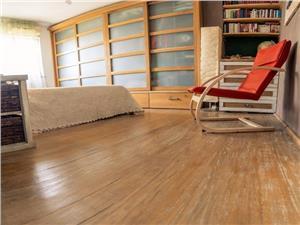 Vanzare apartament 3 camere decomandat mobilat utilat   zona Tractorul