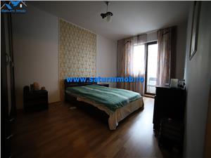 Vanzare apartament 3 camere decomandat zona Noua