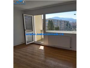Vanzare apartament 3 camere semidecomandat zona Astra