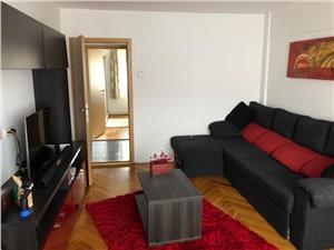 Vanzare apartament 2 camere decomandat    zona Tractorul