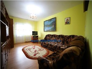 Vanzare Apartament 3 camere circulart zona Tractorul