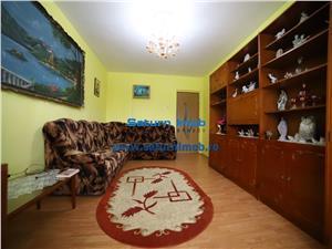 Vanzare Apartament 3 camere circular zona Tractorul