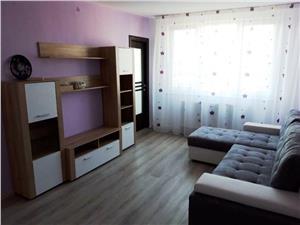Inchiriem Apartament 3 Camere, Modern, Semidecomandat, Centru Civic