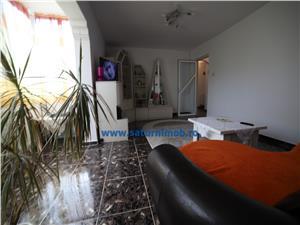 Vanzare apartament 4 camere decomandat zona Bartolomeu