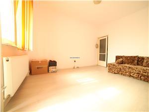 Apartament 2 camere , la vanzare , decomandat etaj 2 , zona Grivitei