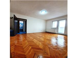 Vanzare apartament 2 camere cu balcon, zona Florilor, Mimozei, insorit