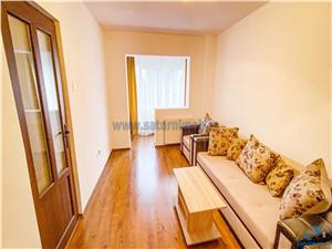Apartament 2 camere decomandate etaj intermediar zona C.E.C