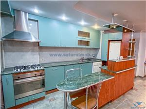 Apartament 3 camere decomandate etaj intermediar zona Onix