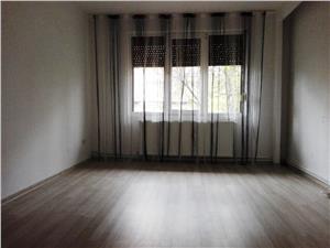 Inchiriem Apartament 3 Camere, Nemobilat, Decomandat, Tractorul