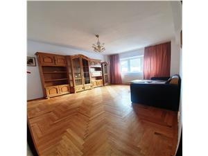 Inchiriere apartament 3 camere, dec, Centrul Civic-Toamnei, etaj 2