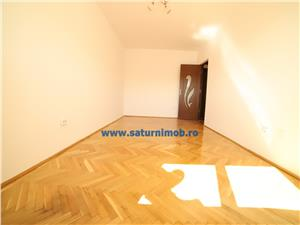 Vanzare apartament 3 camere decomandat zona Grivitei