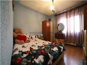 Vanzare apartament 2 camere decomandat zona Triaj