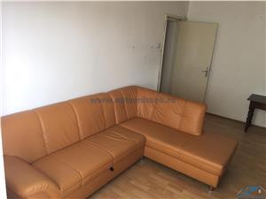 Vanzare apartament 2 camere semidecomandat zona Tractorul