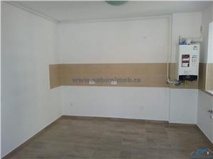 Inchiriere Apartament 2 Camere (Nemobilat) Decomandat in zona Avangarden Coresi