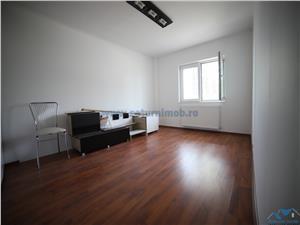 Vanzare  Apartament 2 camere , decomandat zona Bartolomeu.