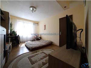Vanzare   apartament 3 camere circular  zona Noua
